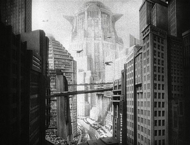 Im ersten Teil des Hollywood in Vienna-Konzerts wurde das Science Fiction-Kino auf wesentliche Grundmerkmale zurückgeführt: Kühne Träume, Neugier und Sensation (METROPOLIS, SPACE MOUNTAIN), die Verlegung der Final Frontier des Westerns in den Weltraum (STAR TREK), die philosophische Reflexion des Menschseins (GATTACA, ARTIFICIAL INTELLIGENCE) sowie die nicht immer friedfertige Begegnung mit dem Fremden aus dem All (INDEPENDENCE DAY).