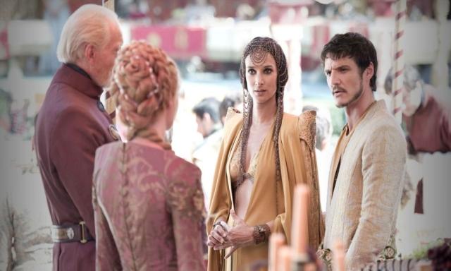 Familienfest als Schlachtfeld: Auf Joffreys Hochzeit werden latente und offene Konflikte ausgetragen. Das freudige Ereignis, welches nicht nur zwei junge Menschen, sondern auch zwei Häuser zusammenbringen soll, wird zum Ausdruck von Zwietracht, Hass und Verrat. © HBO
