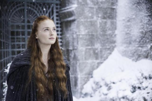 Kleine Momente des Schönen – wie Sansas Szene im Schnee aus MOCKINGBIRD – schenken dem Zuschauer kurze Lichtblicke an dem ansonsten hoffnungslos verhangenen Horizont von Westeros.
