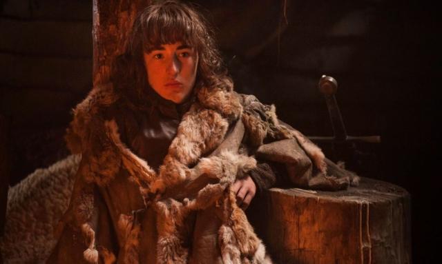 In OATHKEEPER gerät Bran in die Hände ehemaliger Nachtwächter. Die Handlung hat keine Entsprechung in den Büchern – und ist genau deswegen so reizvoll. © HBO