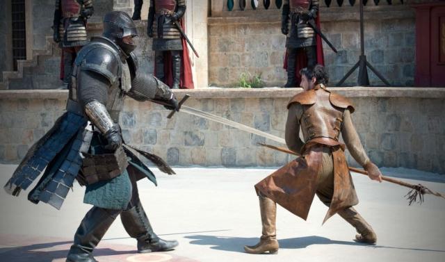 David gegen Goliath - Der Kampf zwischen Oberyn Martell und Gregor Clegane brannte sich aufgrund seiner Spannung, Intensität und des drastischen Ausgangs als unvergesslicher Moment der Serie in die Köpfe der Zuschauer.
