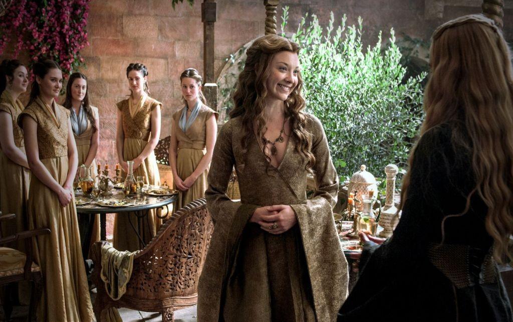 Rose gegen Löwin: Margaery übernimmt Cerseis Kleiderstil. Eines der vielen kleinen Sticheleien und verdeckten Hiebe, die die junge Königin an ihre Schwiegermutter austeilt.